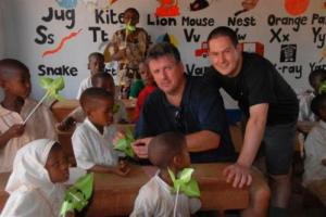 Steve Lister and kids in the classroom